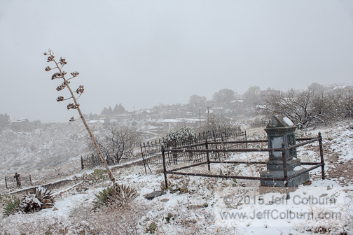 Hogback Cemetery in the Winter - CemeteryHogback0368